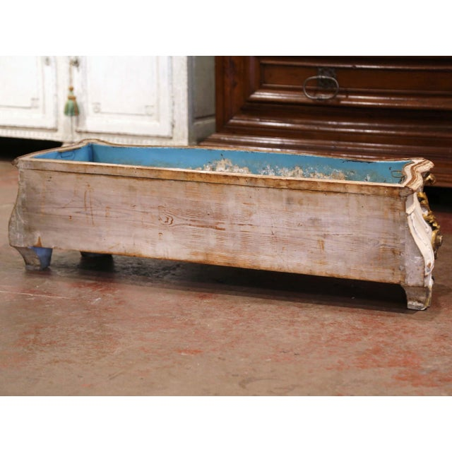 Early 19th Century French Louis XV Carved Painted & Gilt Bombe Floor Jardinière For Sale - Image 11 of 13