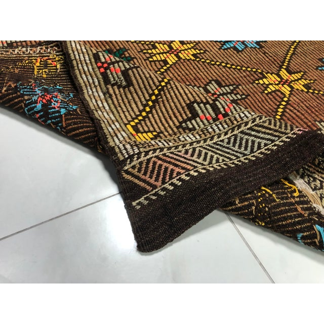 1960s Vintage Turkish Handwoven Traditional Decorative Kilim Rug- 5′3″ × 8′6″ For Sale - Image 4 of 11