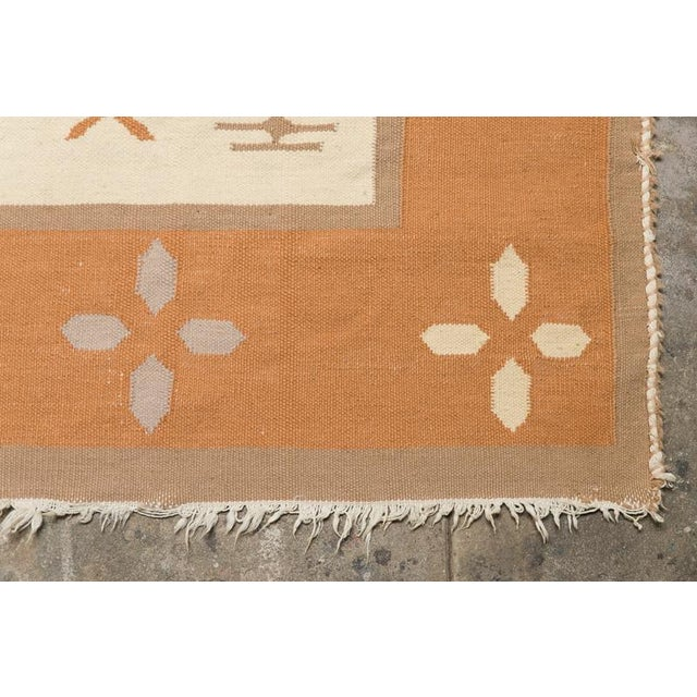 Butterfly Dhurrie Handoven Wool Rug - 5′7″ × 8′5″ - Image 6 of 6