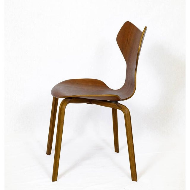 "Set of Four Arne Jacobsen ""Grand Prix"" Chairs For Sale In Los Angeles - Image 6 of 10"