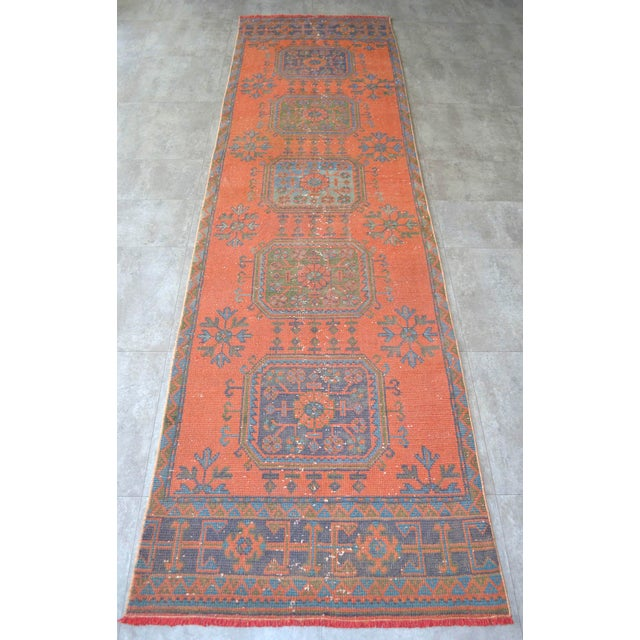 Distressed Oushak Rug Runner Santa Fe Background Hallway Rug- 3'1″ X 11'3″ For Sale - Image 4 of 9
