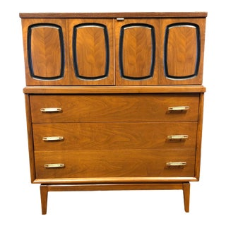 Mid Century Modern Broyhill Emphasis Walnut Highboy Dresser Wardrobe Chest of Drawers - Danish Style MCM Bedroom Furniture For Sale