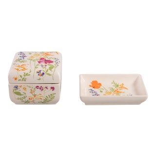 Madcap Cottage Floral Lidded Box/Tray Vanity Set - a Pair For Sale