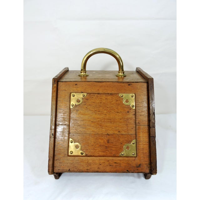 20th Century Traditional Oak Coal Purdonium or Scuttle For Sale - Image 4 of 8