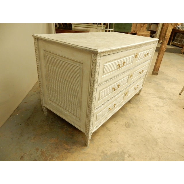 Wood 18th Century Northern European Painted Commode For Sale - Image 7 of 11