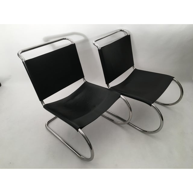 1970s Pair of Mies Van der Rohe MR Lounge Chairs For Sale - Image 5 of 7