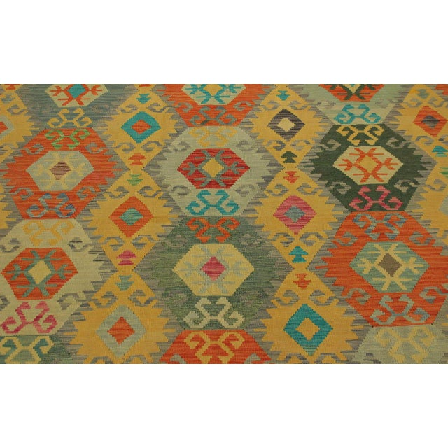 Felice Gold/Gray Hand-Woven Kilim Wool Rug -6'7 X 9'10 For Sale In New York - Image 6 of 8