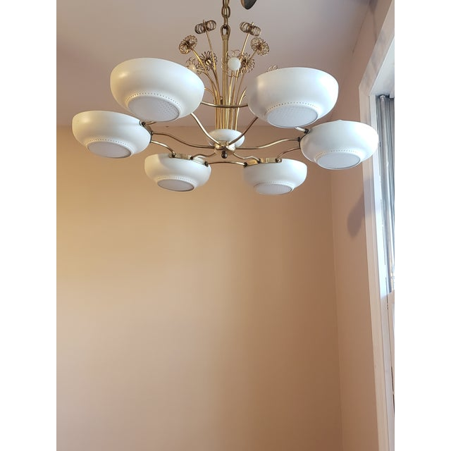 Mid-Century Modern 1950s Mid-Century Modern Lightolier Chandelier After Paavo Tynell For Sale - Image 3 of 13
