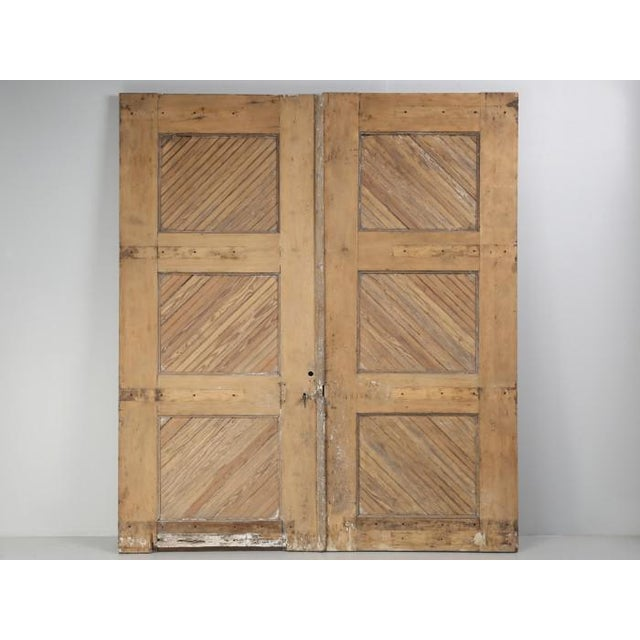 Antique 1890s American Garage or Barn Doors - a Pair For Sale - Image 13 of 13