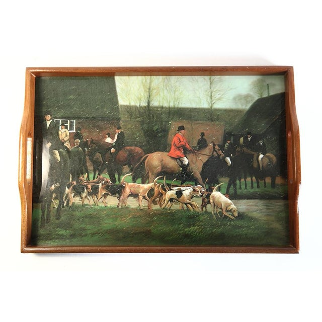 This wonderful tray depicting English fox hunting has a high gloss for protection. The coasters are in the original...