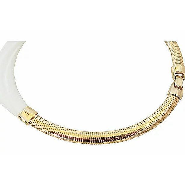 1980s Monet Molded White Lucite Collar Necklace For Sale In Philadelphia - Image 6 of 7