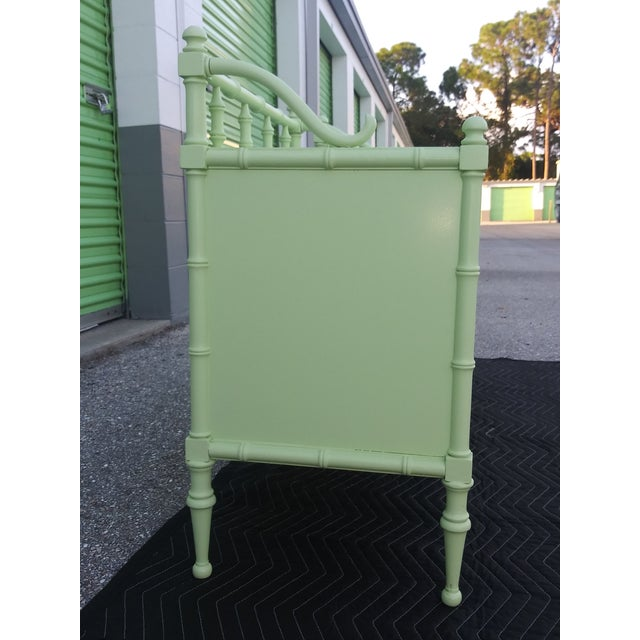 Hollywood Regency 1950s Vintage Nightstands the Kensington Collection -A Pair For Sale - Image 3 of 12