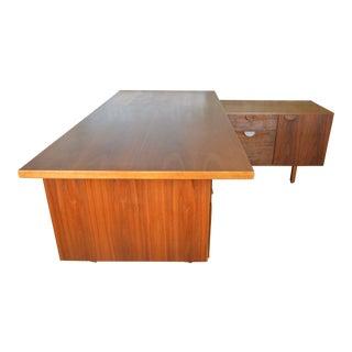 Jens Risom Designs L-Shaped Mid Century Walnut Executive Desk For Sale