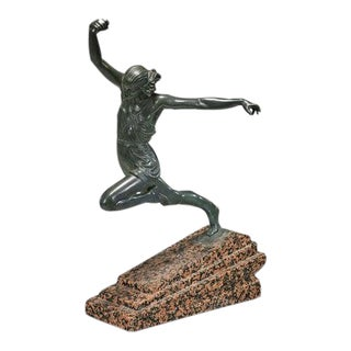 1930s Art Deco French Bronze Sculpture of Olympic Javelin Thrower Pierre Le Faguays as Fayral for Max Le Verrier For Sale