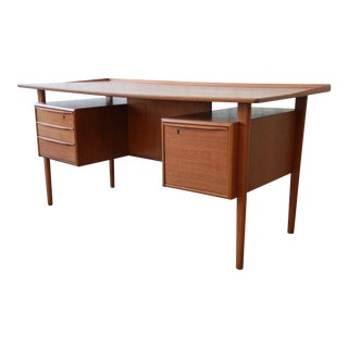 Danish Modern Teak Floating Top Desk by Peter Løvig Nielsen for Lovig Dansk, 1969