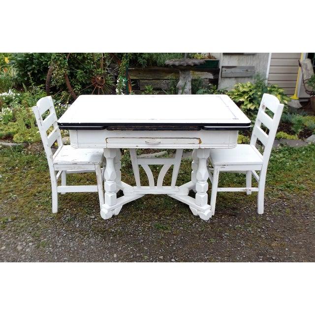 White Porcelain Expandable Farmhouse Table Set - Image 5 of 11
