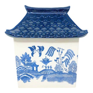 Vintage Blue Willow Canister With Pagoda Top For Sale