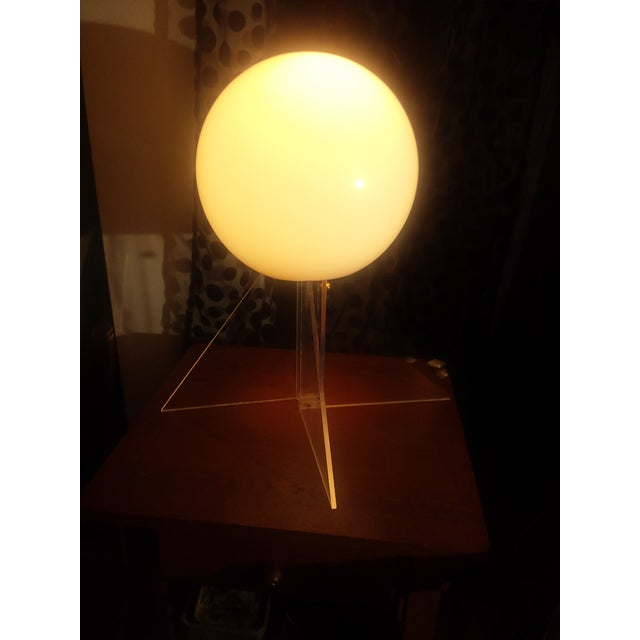Mid Century Plexi Globe Table/Floor Lamp For Sale - Image 4 of 10