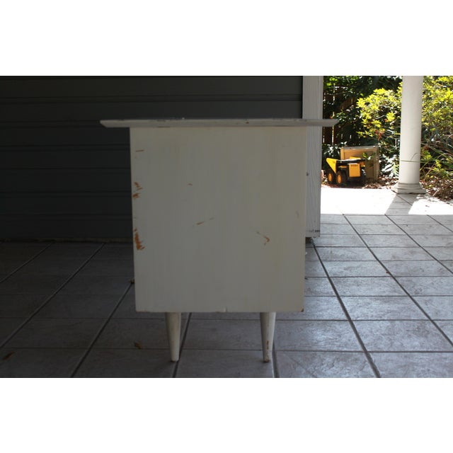 Mid-Century Modern Atomic White Writing Desk - Image 5 of 6
