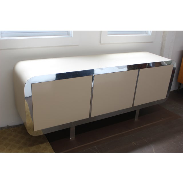 Mid-Century Modern Mid Century Modern Laminate Lacquered Credenza For Sale - Image 3 of 11