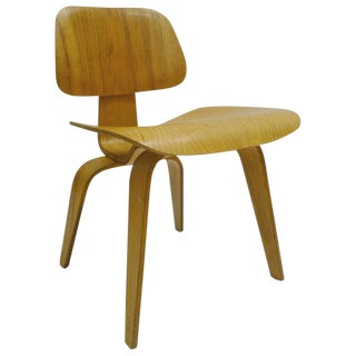 "Charles and Ray Eames for Herman Miller Dcw ""Dining Chair Wood"" in Oak For Sale"