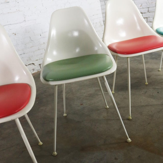 Burke Fiberglass #103 Shell Chairs With Padded Seats Set of 5 Mid Century Modern For Sale - Image 9 of 13