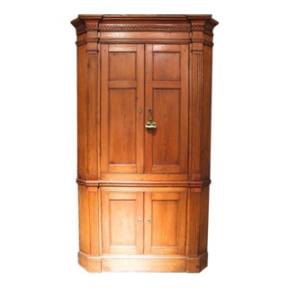 Federal Period American Mid-Atlantic Pine Corner Cupboard For Sale