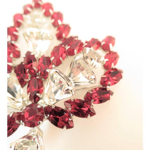 Red Vendome Ruby Crystal Leaf Brooch 1950s For Sale - Image 8 of 12
