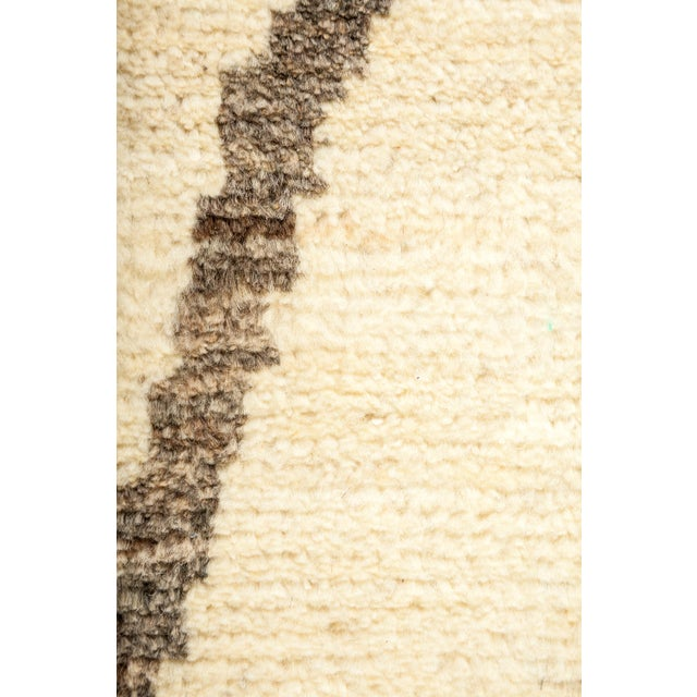"""Contemporary New Moroccan Hand-Knotted Rug - 4' 9"""" X 8' 1"""" For Sale - Image 3 of 3"""