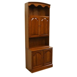 20th Century Traditional Ethan Allen Georgian Court Cabinet With Bookcase Top For Sale