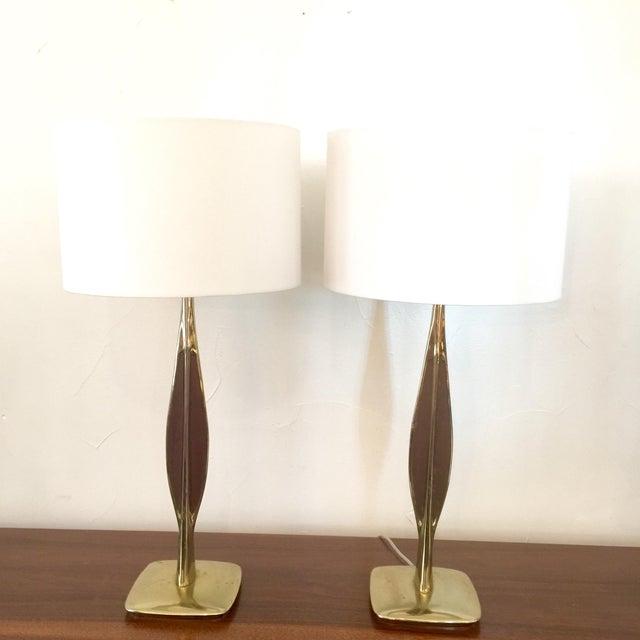 Danish Modern Laurel Lamp Co. Brass & Walnut Lamps - Pair For Sale - Image 3 of 8