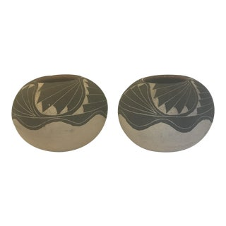 Vintage Native American Acoma Indian Style Black Lava Sand Pottery Bowls - a Pair For Sale