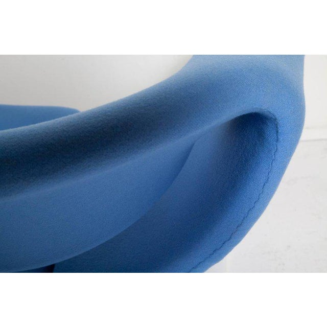 Blue Vintage Pair of Ribbon Chairs by Pierre Paulin, Model F582 for Artifort For Sale - Image 8 of 11
