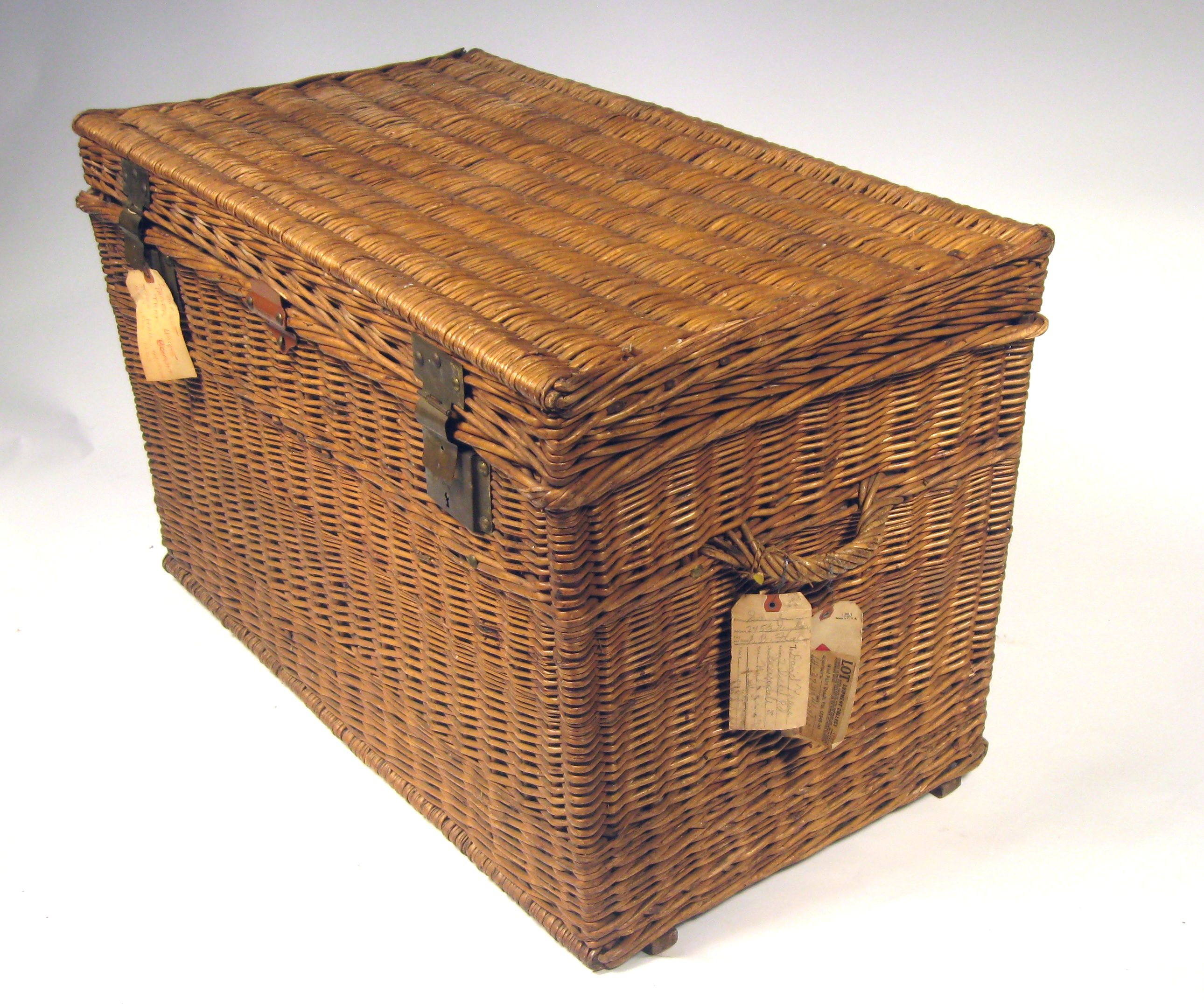 Lovely Large Antique French Wicker Trunk | Chairish KD05