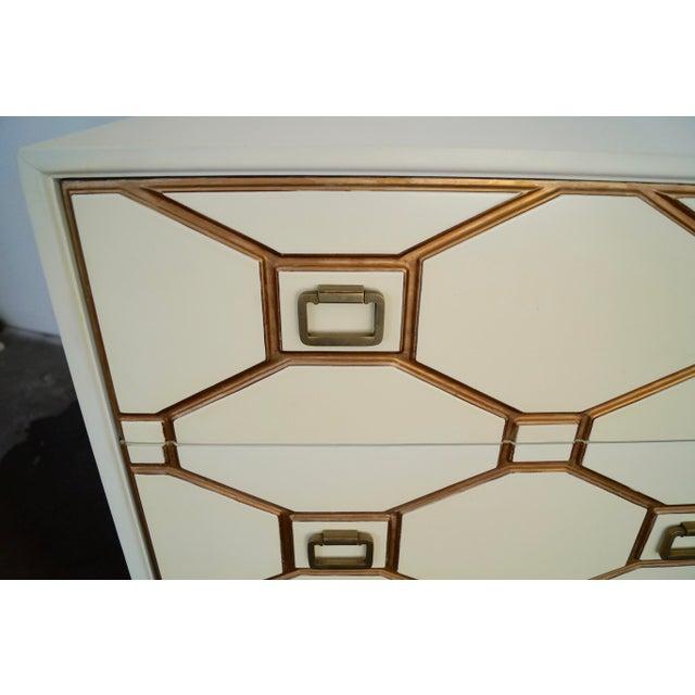 Mid-Century Hollywood Regency Dresser by Dorothy Draper for Henredon For Sale - Image 9 of 11