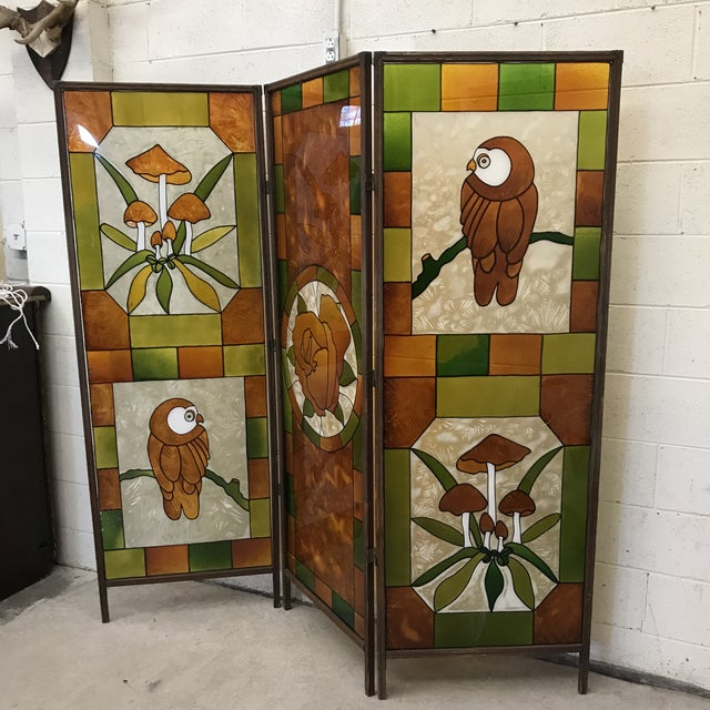 This 3 panel room divider is so cute. Very kitchy and mid century in style. It has the appearance of stain glass, but it...