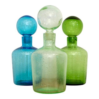 Colorful Decanters in Blue and Green With Spherical Stoppers, Set of 3 For Sale