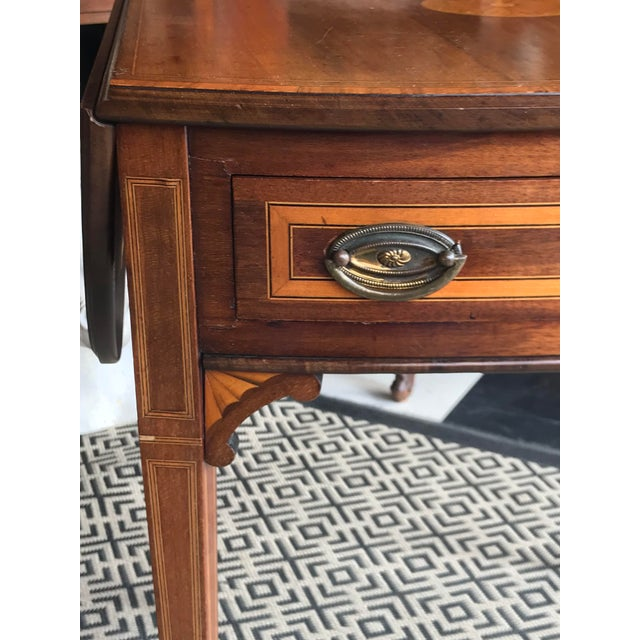 Traditional 19th Century Traditional Mahogany Drop Leaf Oval Side Table For Sale - Image 3 of 11