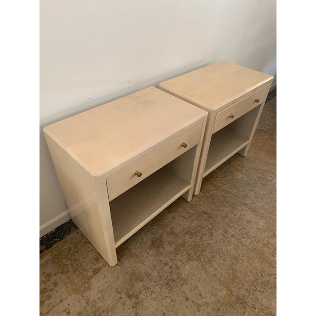 Mid-Century Modern Polished Faux Vellum Nightstands From Made Goods - a Pair For Sale - Image 3 of 13