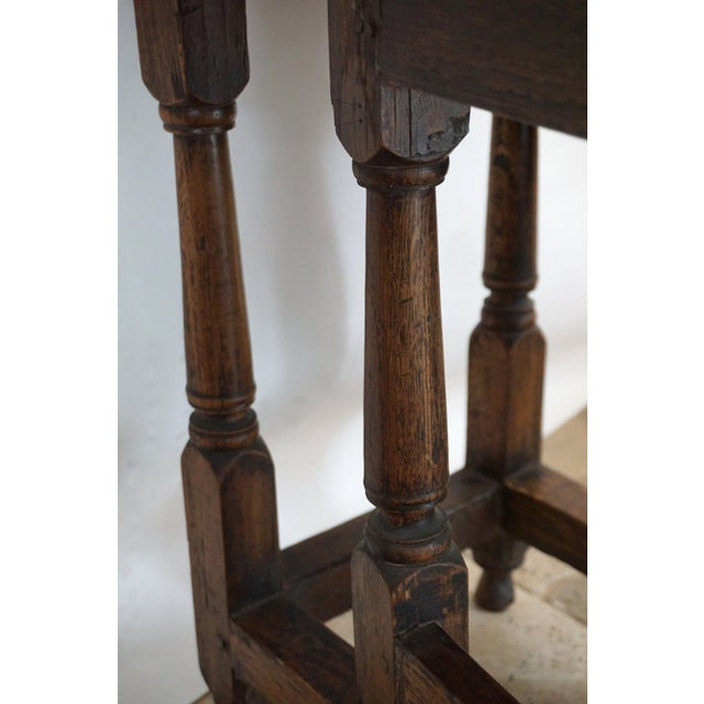 18th Century English Oak Drop Leaf Gateleg Table For Sale In San Diego - Image 6 of 13