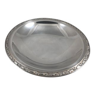 """Vintage 11-1/2"""" Silver Plated Bowl William a Rogers Footed Floral Edging For Sale"""
