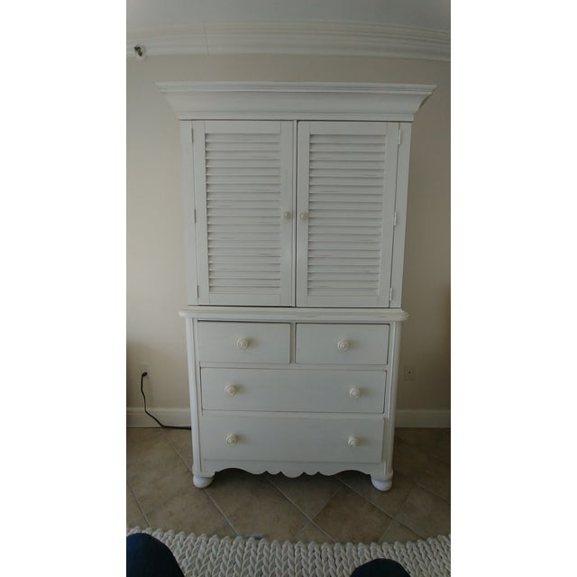 2000s Lexington Cottage Living Armoire For Sale - Image 5 of 5