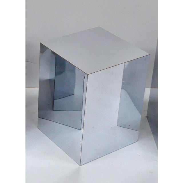 1970s Mid-Century Modern Mirrored Metal Laminate Cube Pedestal Side Table For Sale - Image 11 of 11