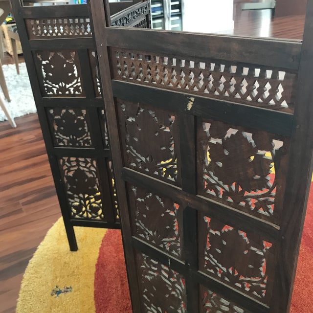 1960s Vintage Mid-Century Hand Carved Table Top Teak Room Screen For Sale - Image 5 of 6