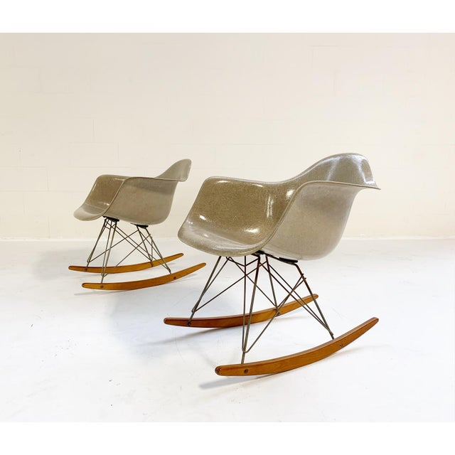 Mid-Century Modern 1950s Mid-Century Modern Charles and Ray Eames for Herman Miller Rar Rocking Chairs - a Pair For Sale - Image 3 of 9