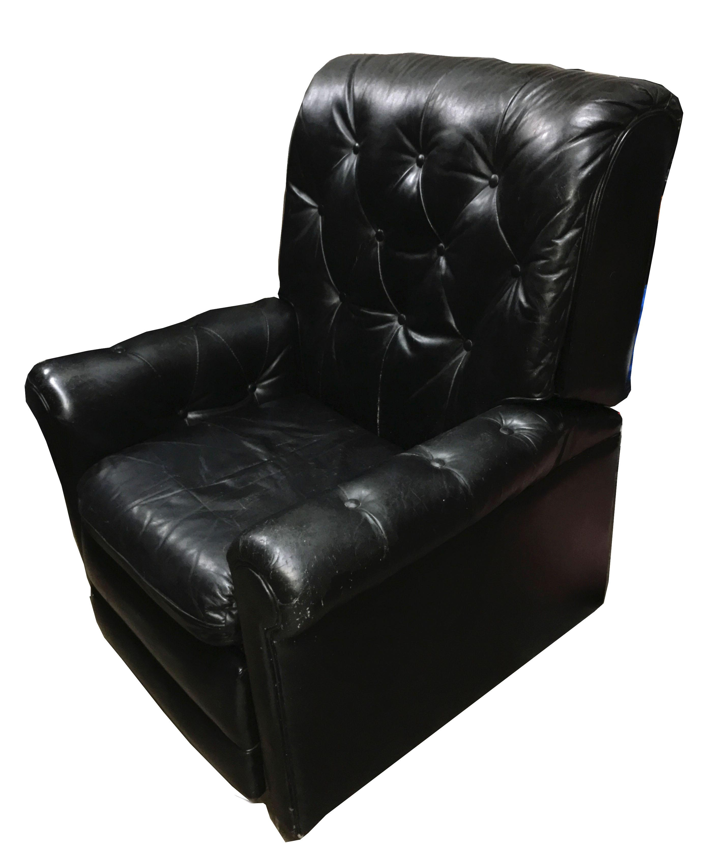Beau Mid Century Modern Mid Century Chesterfield Black Tufted Leather Recliner  Chair For Sale
