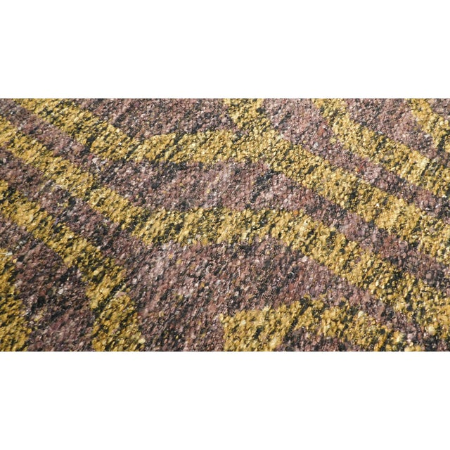 "Gold Modern Flat Weave Rug - 8' X 10'5"" For Sale - Image 8 of 10"