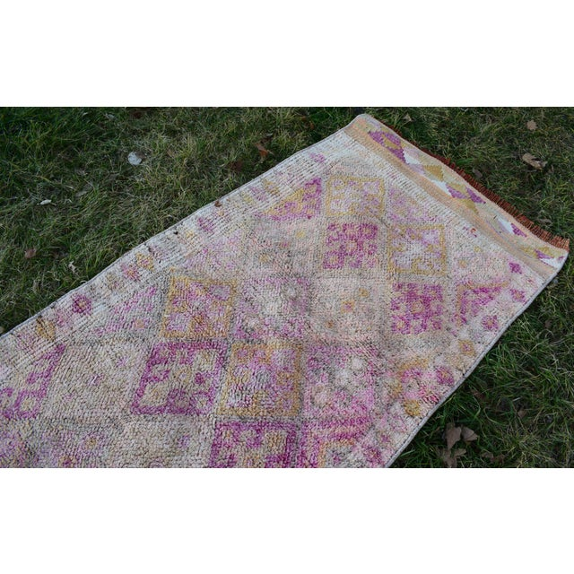 1970s Distressed Turkish Oushak Runner Rug 2.6 X 13.5 Ft For Sale - Image 5 of 13