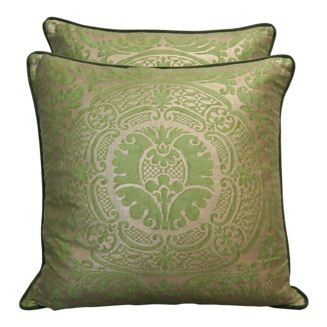 Pair of Orsini Patterned Fortuny Textile Pillows For Sale