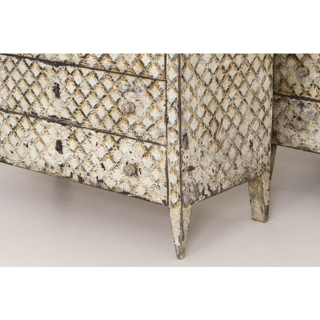 Pair of Italian Neoclassical Style Crosshatch Painted Commodes For Sale In Wichita - Image 6 of 12